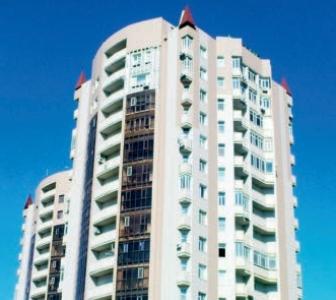 Façade d'immeuble traitée avec la peinture isolante Korund Façades