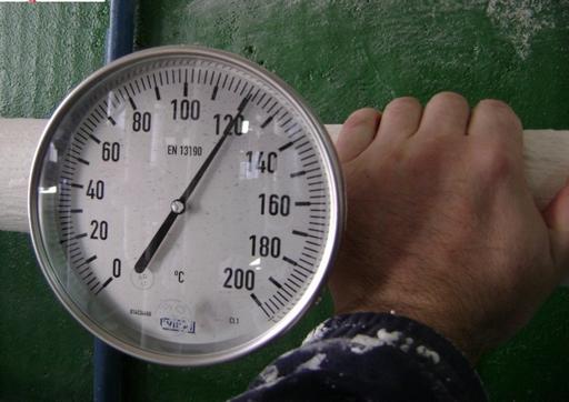 Démonstration de la performance d'isolation thermique de Korund sur un tuyau porté à 120°C
