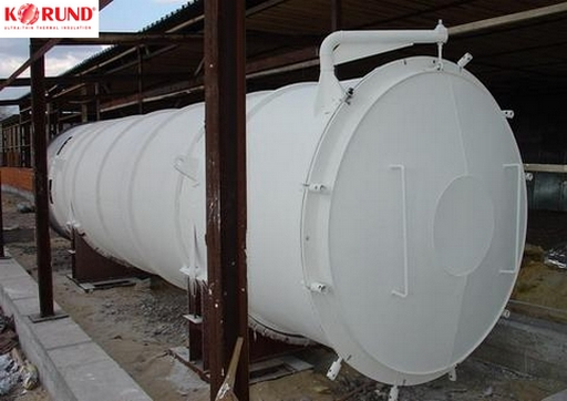 Réservoir isolé thermiquement et protégé de la corrosion avec Korund Anticor